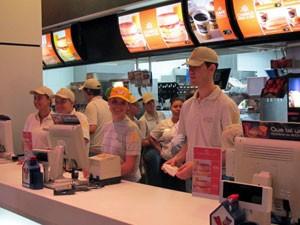 Atendentes do McDonald's (Foto: Gabriela Gasparin/G1)
