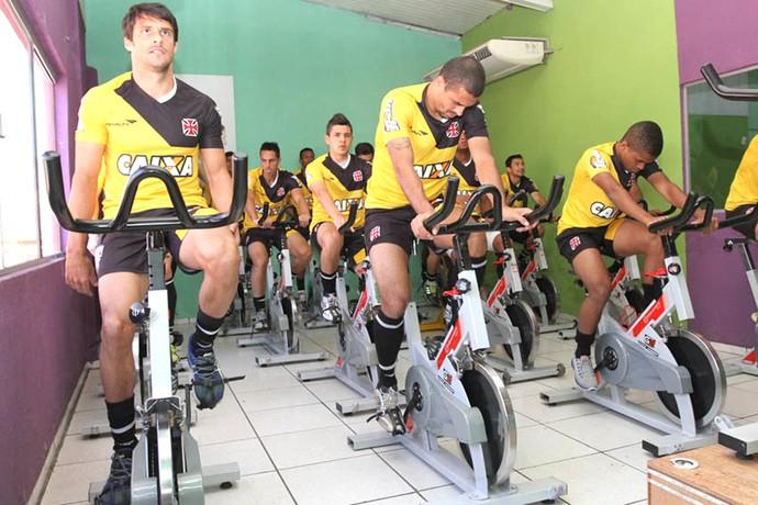 Fabrício, Douglas Silva e Lorran treino do Vasco (Foto: Reprodução / Site Oficial do Vasco)