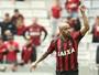 Decisivo em vitória, Thiago Heleno mostra vontade em ficar no Atlético-PR