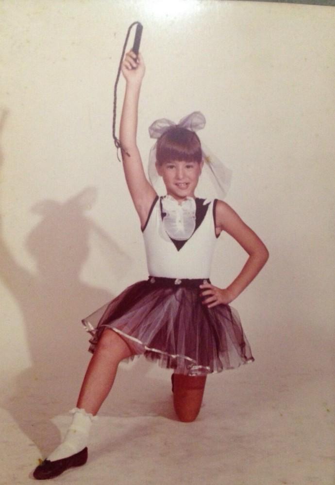 Aos nove anos, Dani Winits já dava um show de beleza ns aulas de balé  (Foto: Arquivo pessoal)