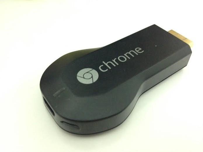 Aperte o botão para reiniciar o Chromecast (Foto: Aline Jesus/TechTudo) (Foto: Aperte o botão para reiniciar o Chromecast (Foto: Aline Jesus/TechTudo))