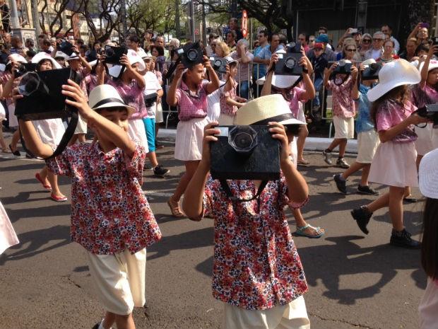 Em Maringá, ala homenageou o turismo na cidade  (Foto: Sandro Ivanowski / RPC )