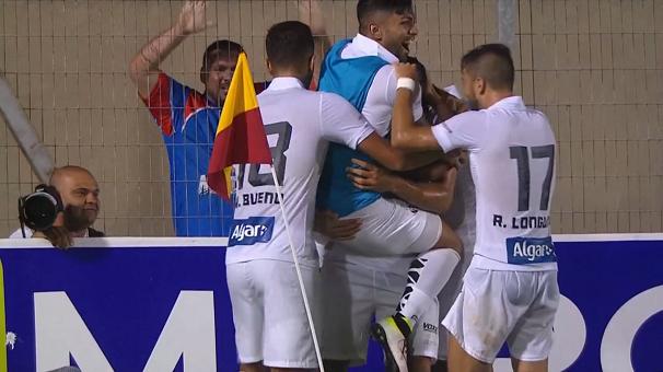 Jogadores do Santos comemoram gol (Foto: Reprodução/TV Tribuna)