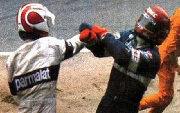 Em 1982, Nelson Piquet brigou com Eliseo Salazar após ser tirado da pista (Foto: Reprodução de TV)