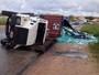 Recife - 7h34: Caminhão tomba e congestiona BR-101, em PE