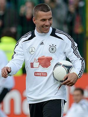 Podolski Alemanha sorrindo (Foto: AFP)