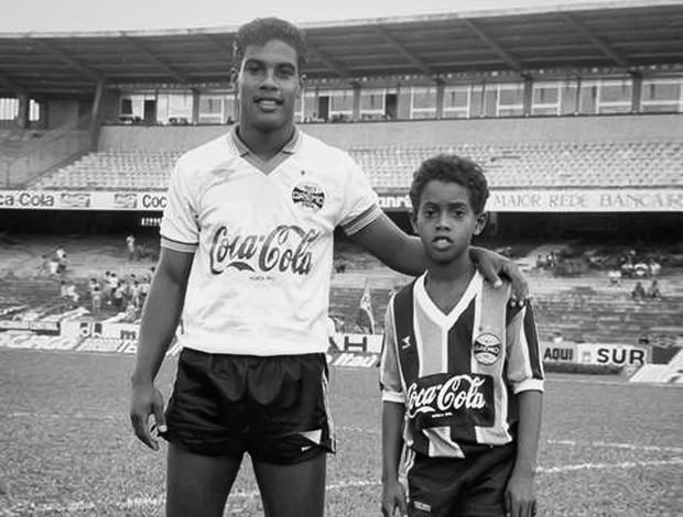 Ronaldinho e Assis Grêmio dia das crianças