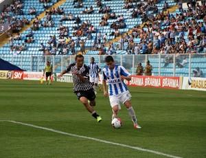 Laércio Carreirinha, no jogo contra o Ceará (Foto: Jamira Furlani, divulgação / Avaí FC)
