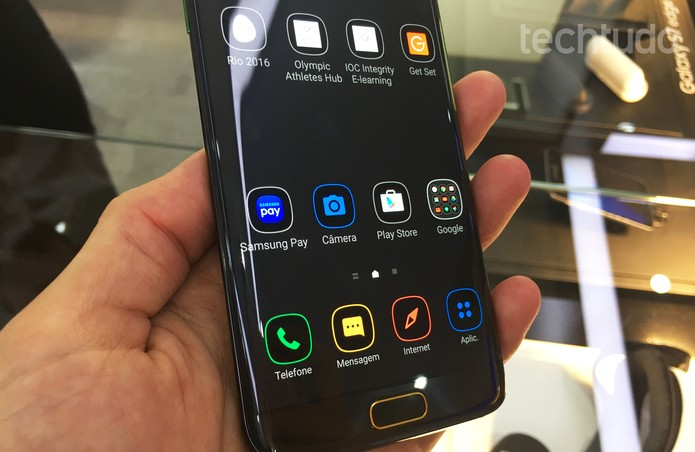 Galaxy S7 Edge oímpico (Foto: Thássius Veloso/ TechTudo)