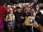 Policial tieta Viviane Araújo antes do desfile do Salgueiro