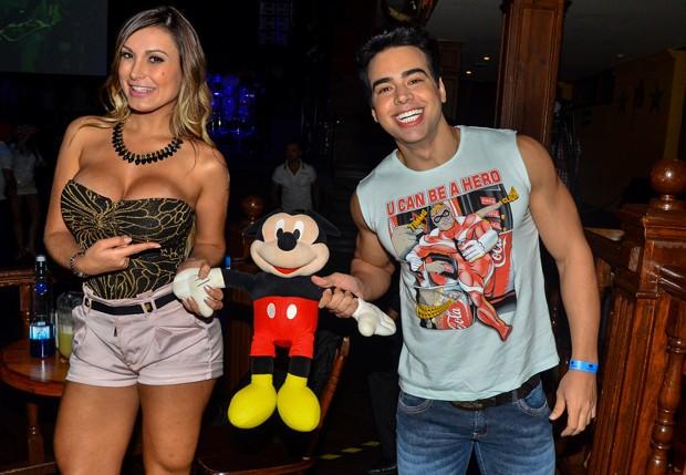 Andressa Urach e o Mister Espírito Santo, Vinícius Pin (Foto: Caio Duran/AgNews)