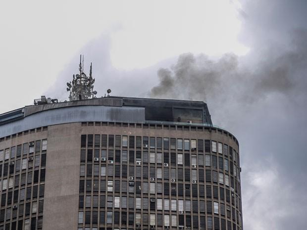Princípio de incêndio atinge restaurante no edifício Itália no centro de São Paulo, SP, neste sábado (Foto: Chello Fotógrafo/Futura Press/Estadão Conteúdo)