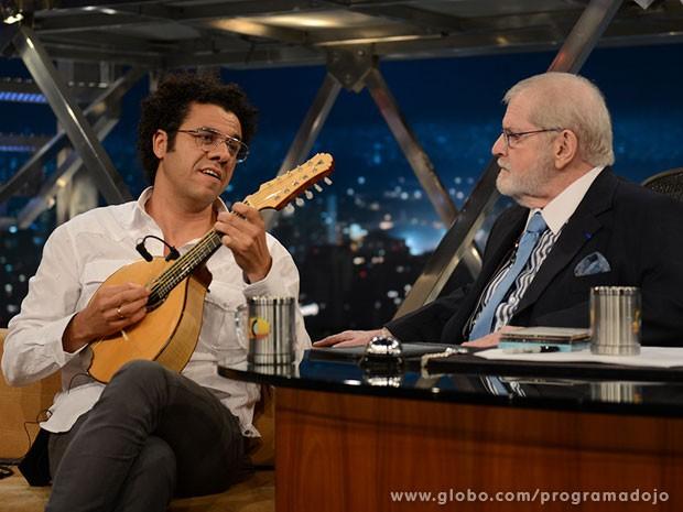 Hamilton de Holanda participa do Programa do Jô desta quarta-feira (Foto: TV Globo/Programa do Jô)