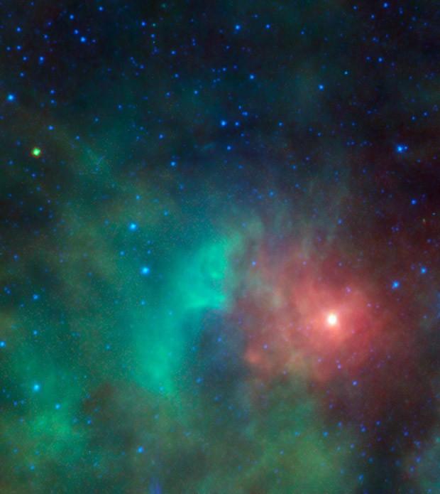 Ponto amarelo esverdeado no canto esquerdo superior da imagem é asteroide potencialmente perigoso. (Foto: AFP Photo/NASA/JPL-Caltech)