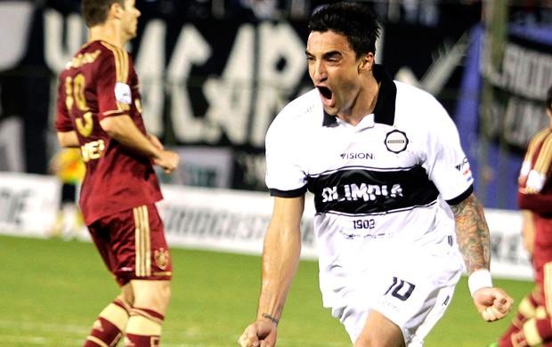 Juan Manuel Salgueiro gol Olimpia jogo Fluminense (Foto: Reuters)