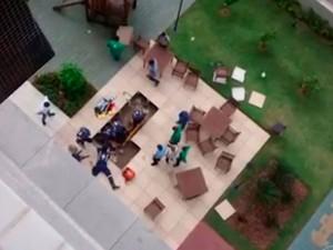 Delegada fica ferida após cair de edifício na Paralela, em Salvador (Foto: Reprodução/TV Bahia)