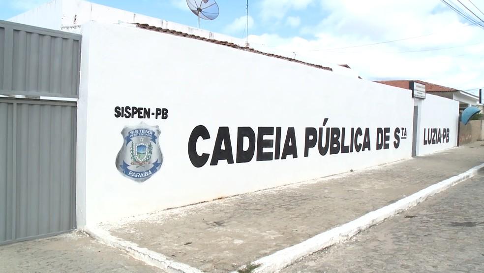 Jovem está preso na cadeia pública de Santa Luzia, onde está a disposição da justiça (Foto: Reprodução/TV Paraíba)