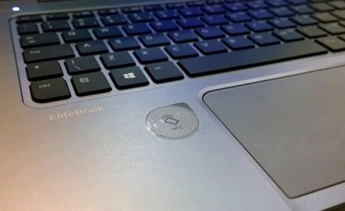 Destaque para a cômoda função NFC em um ultrabook (Foto: Fabricio Vitorino / TechTudo)