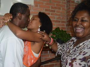 Gerente de bar interrompe beijo de casal em São Carlos, SP (Foto: Felipe Turioni/G1)