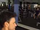 Zezé Di Camargo exibe músculos em dia de academia com a filha Camilla