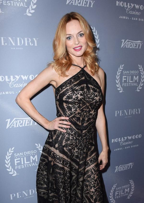 A atriz Heather Graham com seu vestido revelador (Foto: Getty Images)