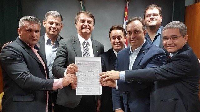 Jair Bolsonaro assinou filiação ao Patriota (Foto: Foto: Patriota)