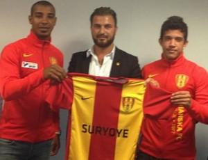 William e Igor assinaram até o fim do ano com o Syrianska, da Suécia (Foto: Adauto Menegussi/Linhares FC)