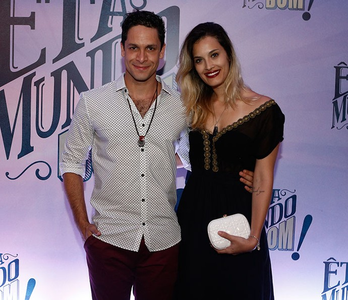 Namorada de Rainer Cadete, Taianne Raveli, diz que Celso está fazendo bem à vida amorosa do casal (Foto: Inácio Moraes/Gshow)