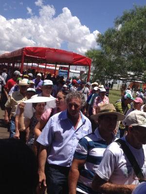 Para amenizar o calor, parte dos corredores é coberto (Foto: Cassiane Seghatti/G1)