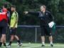 Bob Faria diz que Diego Aguirre trabalha defesa do Atlético-MG