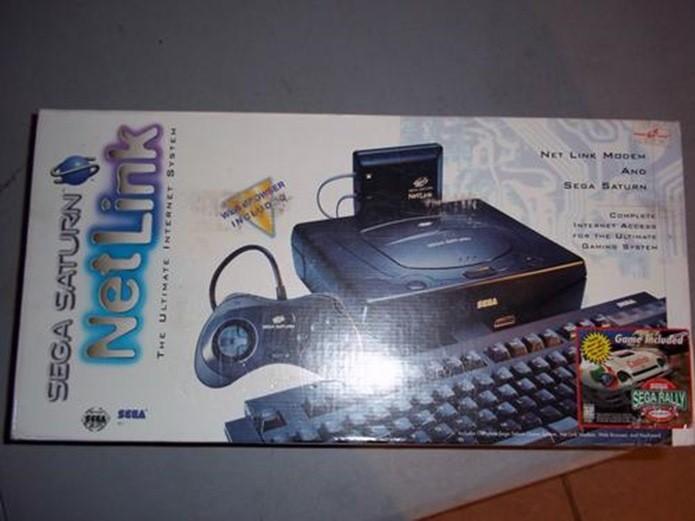 Sistema Netlink permitia navegar na internet e jogar partidas online (Foto: Reprodução: Sega Age)