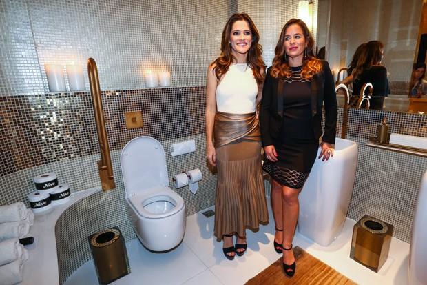 Ingrid Guimarães e Jade Jagger inaugura banheiro público chique (Foto: Manuela Scarpa/Photo Rio News)