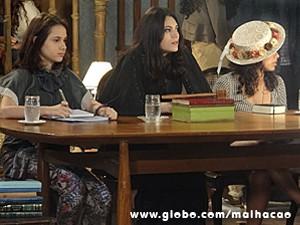 Diva arrasa como a juíza do julgamento de Capitu (Foto: Malhação / TV Globo)