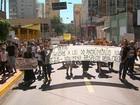 Fiéis protestam contra liberação de estação de ônibus ao redor de catedral