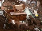 Chuva forte provoca desabamento de parte de uma casa em Umuarama