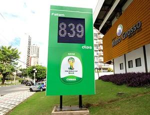 Mais modesto, relógio com regressiva para Copa é relançado em Cuiabá (Foto: Edson Rodrigues/Secopa-MT)