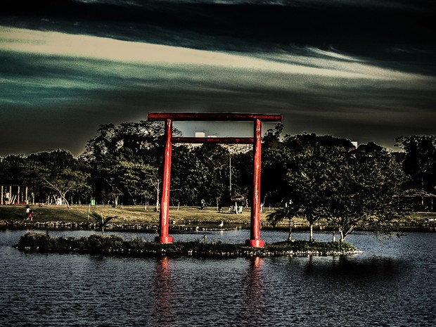 Sombras tomam conta do Parque Centenário (Foto: Vitor Cubas de Siqueira/Arquivo Pessoal)