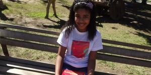 Escritora de 11 anos divulga livro sobre um búfalo na Flipinha (Paola Fajonni/G1)
