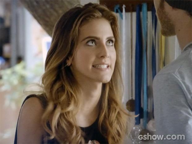 Sofia conta a Sidney que está namorando Ben (Foto: Malhação / TV Globo)