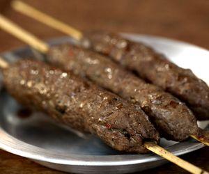 Receita de kebab de carne bovina no espeto
