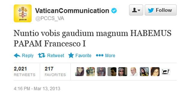 Mensagem em latim confirma o papa Francisco I, o argentino Jorge Mario Bergoglio (Foto: Reprodução)