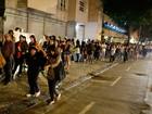 Público enfrenta mais de 2 horas de fila para entrar no Humanidade 2012
