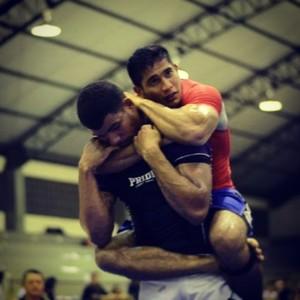 Diego Borges no campeonato de jiu-jítsu sem kimono em RR. Ele levou o absoluto e a categoria (Foto: Divulgação)