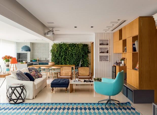 Com espa os integrados e varanda gourmet ap reformado for Sala de estar gourmet