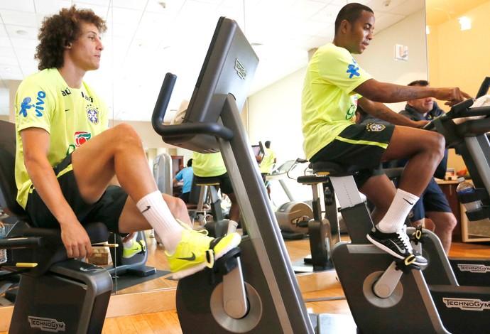 David Luiz e Robinho, Treino Brasil, Hotel Miami (Foto: Rafael Ribeiro / CBF)