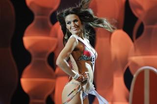 Melissa Gurgel no desfile de traje de banho (Foto: Luciano A. Gomes / Ego)