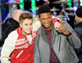 Justin Bieber e Usher participam de programa de televisão em Nova York, nos Estados Unidos (Foto: Getty Images/ Agência)