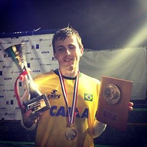 Ricardinho Futebol de 5 Artilheiro Troféu (Foto  Reprodução   Instagram)  Ricardinho levou os prêmios de melhor jogador ... 5a1b8aad52946