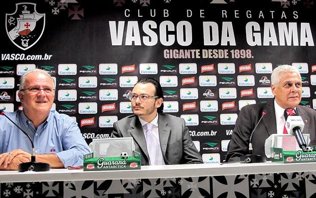 Frank Assunção é apresentado no Vasco como diretor de futebol (Foto: Gustavo Rotstein / GLOBOESPORTE.COM)