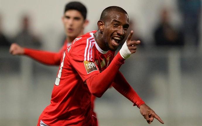 Talisca Benfica Moreirense (Foto:  EFE/HUGO DELGADO)